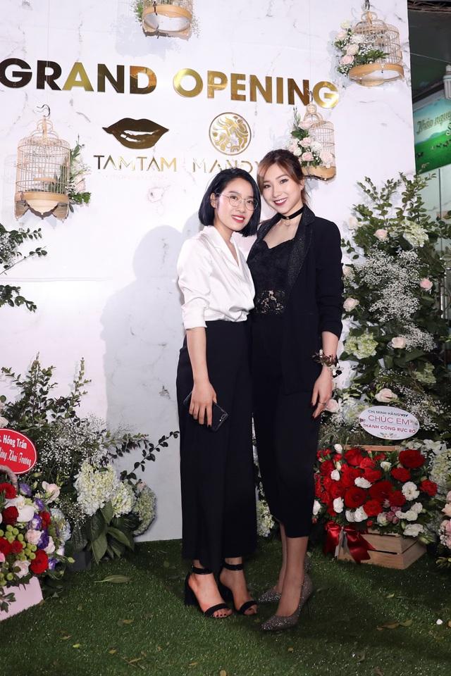 Ca sĩ Bảo Anh, Hoa hậu Đỗ Mỹ Linh đẹp rạng ngời trong lễ khai trương store của Tâm Tâm makeup & Mandy Hair Stylist - Ảnh 10.