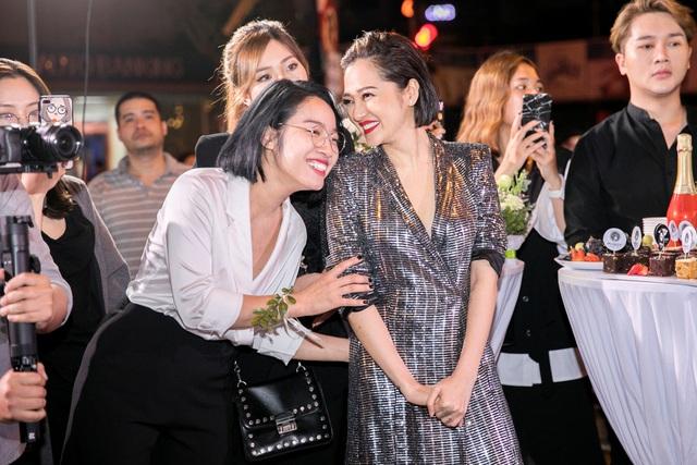 Ca sĩ Bảo Anh, Hoa hậu Đỗ Mỹ Linh đẹp rạng ngời trong lễ khai trương store của Tâm Tâm makeup & Mandy Hair Stylist - Ảnh 12.