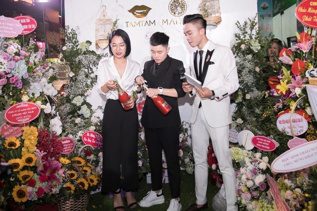 Ca sĩ Bảo Anh, Hoa hậu Đỗ Mỹ Linh đẹp rạng ngời trong lễ khai trương store của Tâm Tâm makeup & Mandy Hair Stylist - Ảnh 13.
