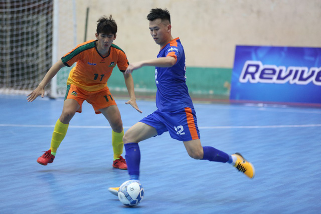 """Bắt gặp Đức Chinh, Tiến Dụng """"hẹn hò"""" đi xem Futsal tại Đà Nẵng - Ảnh 6."""