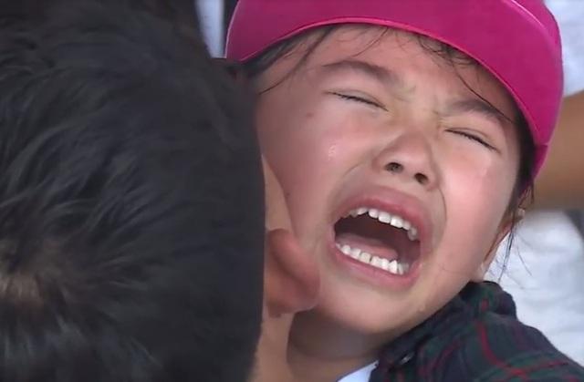"""""""Bố ơi mình đi đâu thế?"""": Bào Ngư, Kitty khóc hết nước mắt vì luật chơi nghiệt ngã của chương trình - Ảnh 8."""