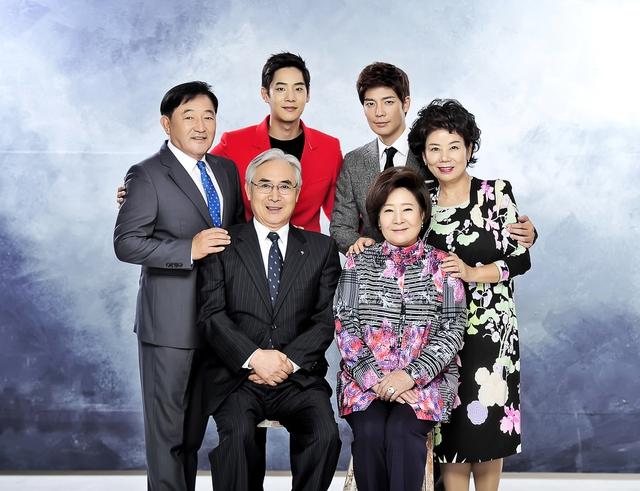 """Vén màn bí mật show biz Hàn trong bộ phim mới lên sóng """"Đêm trắng ở Áp-Gu-Chơng"""" - Ảnh 2."""