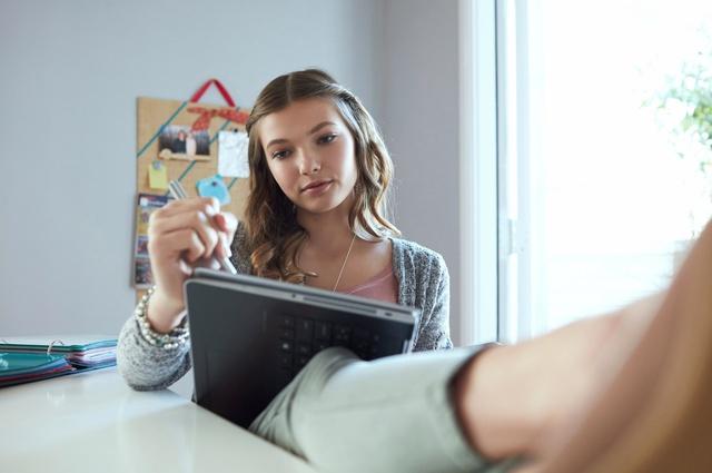 Đã đến lúc các bạn gái tự tay lựa chọn đồ công nghệ cho mình - Ảnh 3.