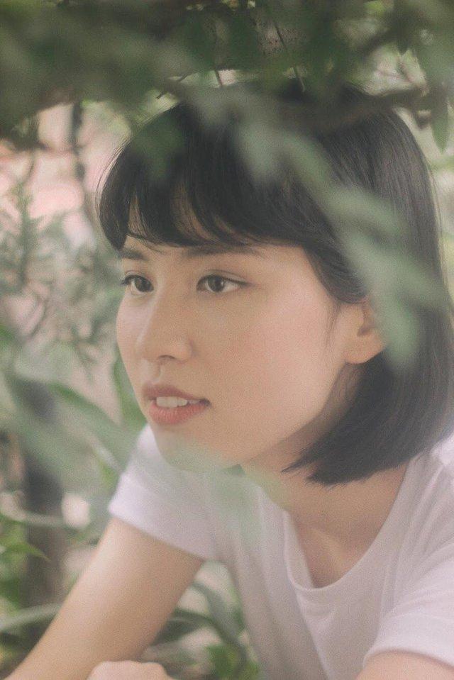 Ít ai biết, Hoa hậu Hương Giang còn có cô em họ vừa xinh vừa là giảng viên đại học tài năng thế này - Ảnh 4.
