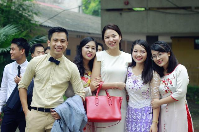 Ít ai biết, Hoa hậu Hương Giang còn có cô em họ vừa xinh vừa là giảng viên đại học tài năng thế này - Ảnh 5.