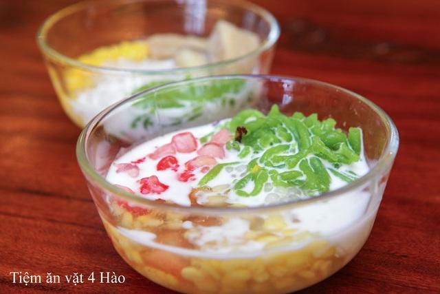 """Khám phá tiệm ăn vặt 4 Hào nổi tiếng ngon """"điên đảo"""" ở Hà Nội - Ảnh 3."""