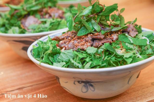 """Khám phá tiệm ăn vặt 4 Hào nổi tiếng ngon """"điên đảo"""" ở Hà Nội - Ảnh 4."""