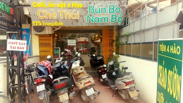"""Khám phá tiệm ăn vặt 4 Hào nổi tiếng ngon """"điên đảo"""" ở Hà Nội - Ảnh 11."""