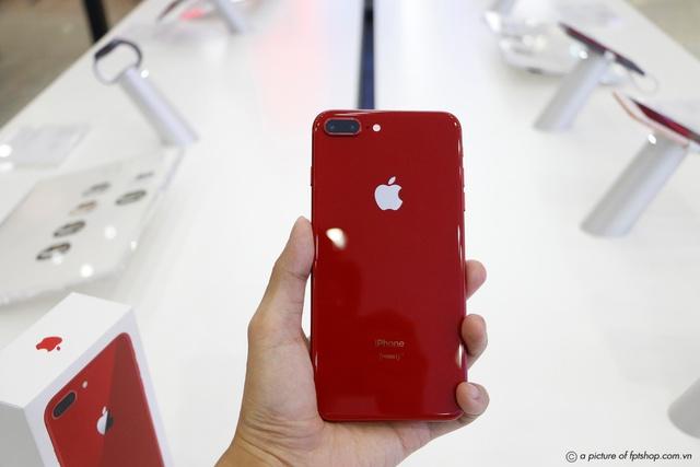 Mua iPhone 8/8 Plus (PRODUCT) RED chính hãng tại FPT Shop, nhận ngay 2 năm bảo hành - Ảnh 1.