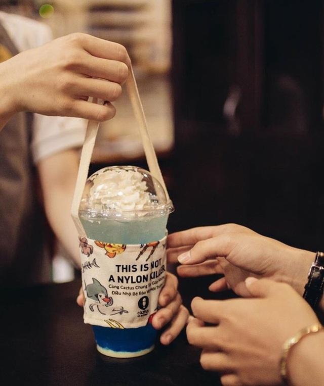 Hà Nội bắt kịp trào lưu quai vải trà sữa bảo vệ môi trường - Ảnh 1.
