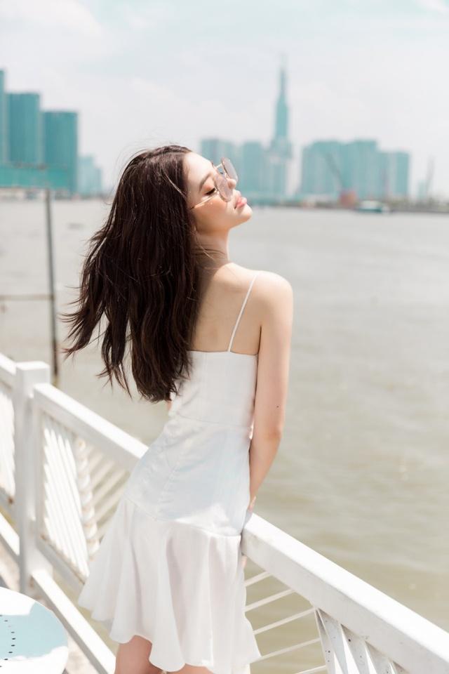 Xuống phố xinh đẹp và sang chảnh như Jolie Nguyễn trong dịp hè này! - Ảnh 11.