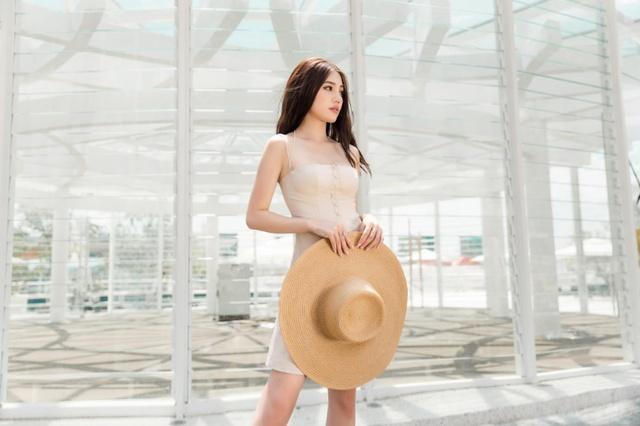 Xuống phố xinh đẹp và sang chảnh như Jolie Nguyễn trong dịp hè này! - Ảnh 12.