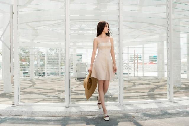 Xuống phố xinh đẹp và sang chảnh như Jolie Nguyễn trong dịp hè này! - Ảnh 13.