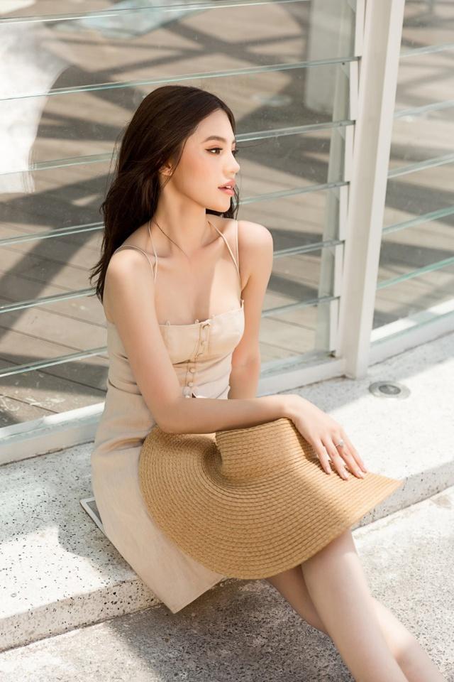 Xuống phố xinh đẹp và sang chảnh như Jolie Nguyễn trong dịp hè này! - Ảnh 15.