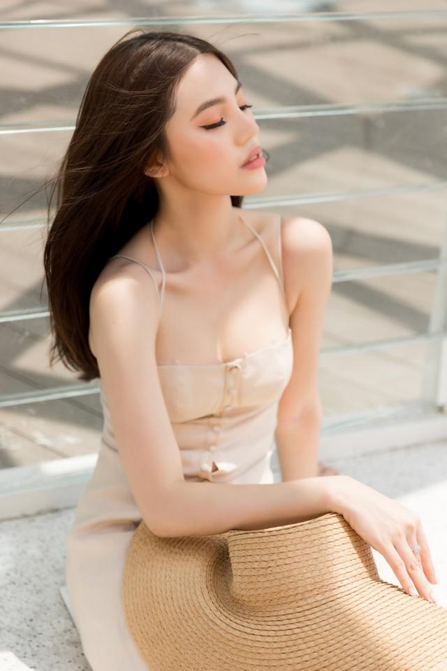 Xuống phố xinh đẹp và sang chảnh như Jolie Nguyễn trong dịp hè này! - Ảnh 16.