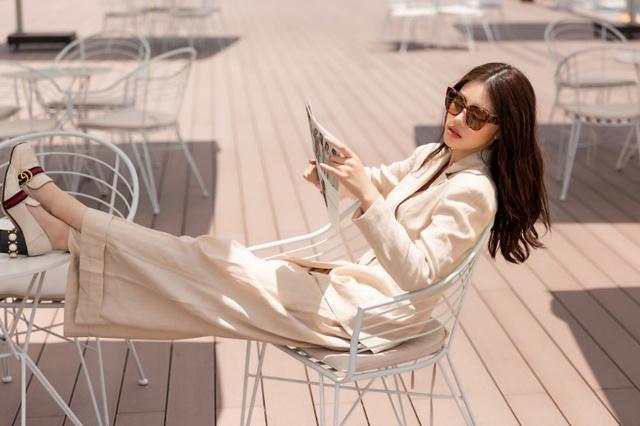 Xuống phố xinh đẹp và sang chảnh như Jolie Nguyễn trong dịp hè này! - Ảnh 20.