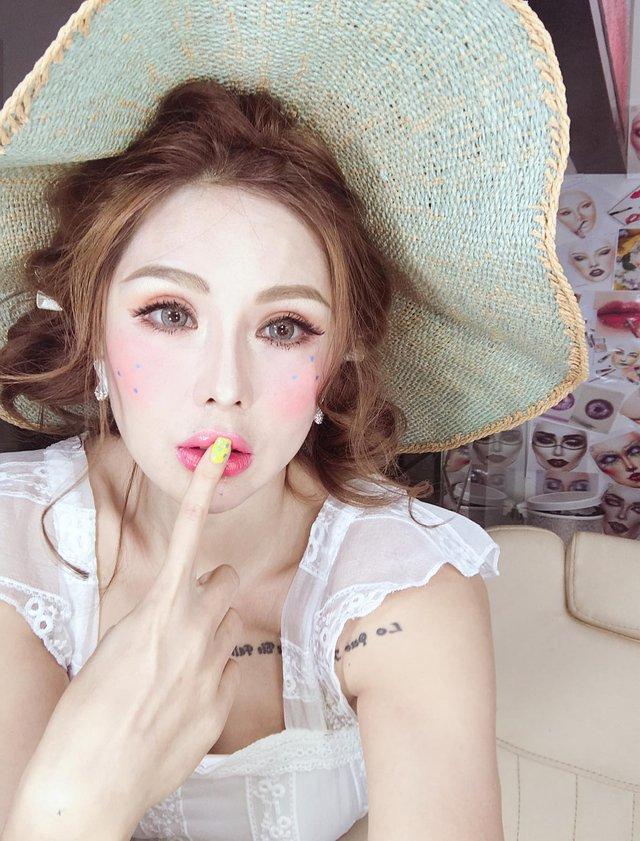 Không thể thiếu một trong những bí kíp của chuyên gia make-up Tina Lê nếu bạn muốn da thật căng bóng - Ảnh 9.