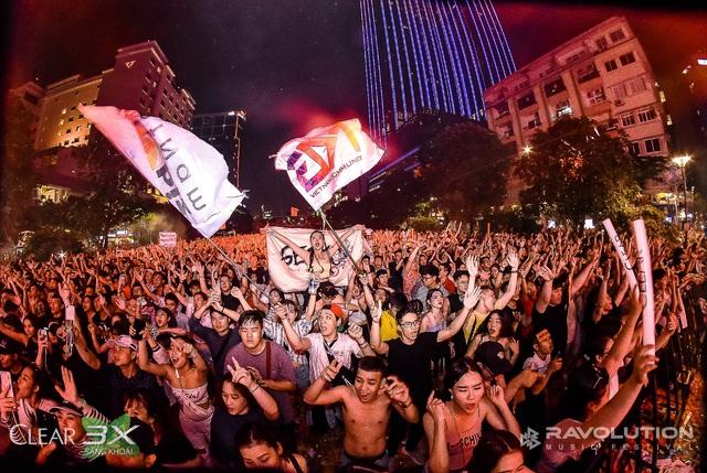 Lâu lắm rồi, giới trẻ Sài Gòn mới có một đêm quẩy EDM đã - đỉnh - đáng đến thế - Ảnh 9.