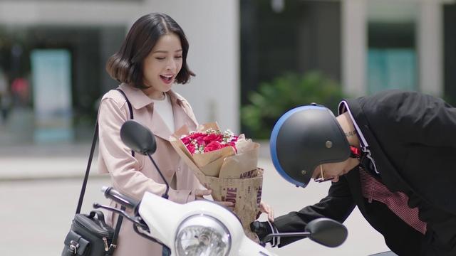 Truy tìm tung tích chiếc xe bí ẩn đến từ Yamaha trong MV mới nhất của Chi Pu, Isaac và Only C? - Ảnh 1.