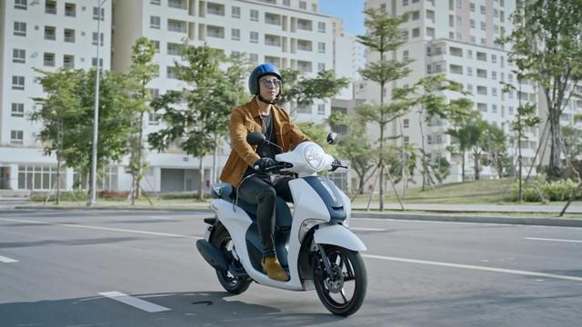 Truy tìm tung tích chiếc xe bí ẩn đến từ Yamaha trong MV mới nhất của Chi Pu, Isaac và Only C? - Ảnh 2.