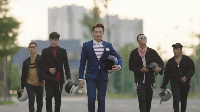 Truy tìm tung tích chiếc xe bí ẩn đến từ Yamaha trong MV mới nhất của Chi Pu, Isaac và Only C? - Ảnh 4.