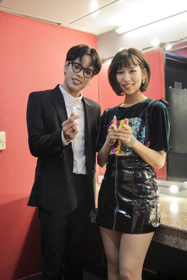 Min và Jaykii xuất hiện, truyền cảm hứng cho thí sinh tại đêm thi Nhóm hát top 35 của Voice Up - Ảnh 1.