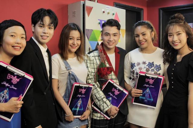 Min và Jaykii xuất hiện, truyền cảm hứng cho thí sinh tại đêm thi Nhóm hát top 35 của Voice Up - Ảnh 10.