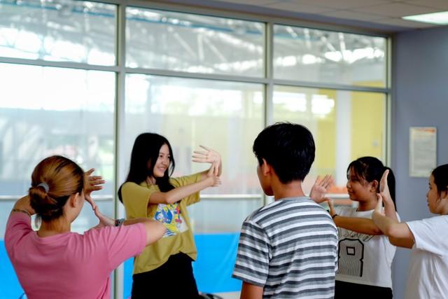 Chuyện gì sẽ xảy ra khi Jun Phạm gia nhập hàng ngũ những thầy giáo đẹp trai và tài năng nhất - Ảnh 7.
