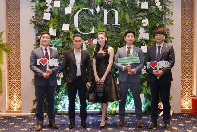 Á hậu Tú Anh xuất hiện xinh đẹp tại sự kiện ra mắt thương hiệu mỹ phẩm thiên nhiên Hàn Quốc C'n - ảnh 3