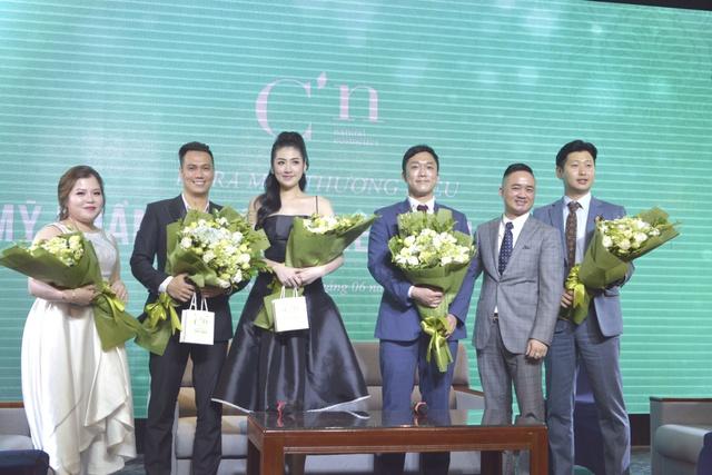 Á hậu Tú Anh xuất hiện xinh đẹp tại sự kiện ra mắt thương hiệu mỹ phẩm thiên nhiên Hàn Quốc C'n - ảnh 5
