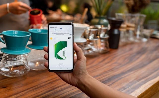 Chia tay ví, giới trẻ ngày nay chỉ cần smartphone là tha hồ tung quẩy - Ảnh 2.