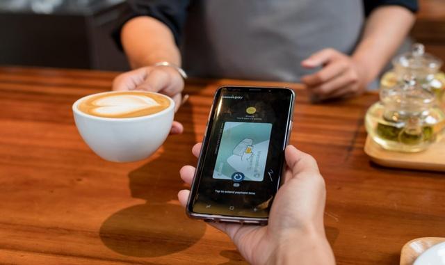 Chia tay ví, giới trẻ ngày nay chỉ cần smartphone là tha hồ tung quẩy - Ảnh 3.