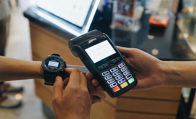 Chia tay ví, giới trẻ ngày nay chỉ cần smartphone là tha hồ tung quẩy - Ảnh 12.
