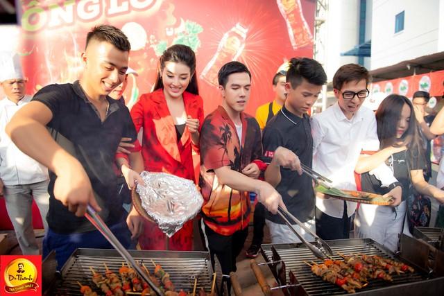 """Dàn sao khủng đội mưa khuấy động Lễ hội """"Phố hàng nóng"""" tại Hà Nội - ảnh 2"""