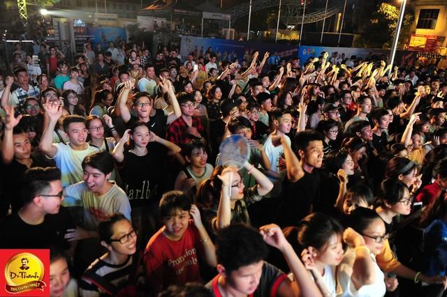 """Dàn sao khủng đội mưa khuấy động Lễ hội """"Phố hàng nóng"""" tại Hà Nội - ảnh 3"""