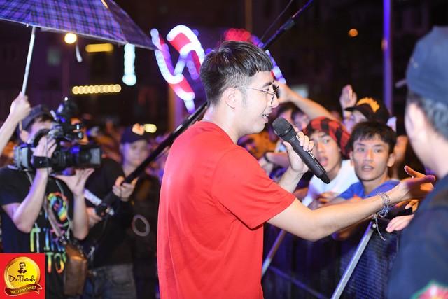 """Dàn sao khủng đội mưa khuấy động Lễ hội """"Phố hàng nóng"""" tại Hà Nội - ảnh 9"""