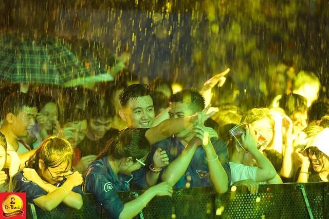 """Dàn sao khủng đội mưa khuấy động Lễ hội """"Phố hàng nóng"""" tại Hà Nội - ảnh 11"""