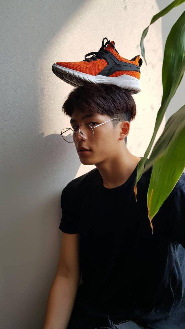 """Vừa vào hè, cộng đồng fashionista khoe ngay hot trend """"đội giày độc đáo! - ảnh 3"""