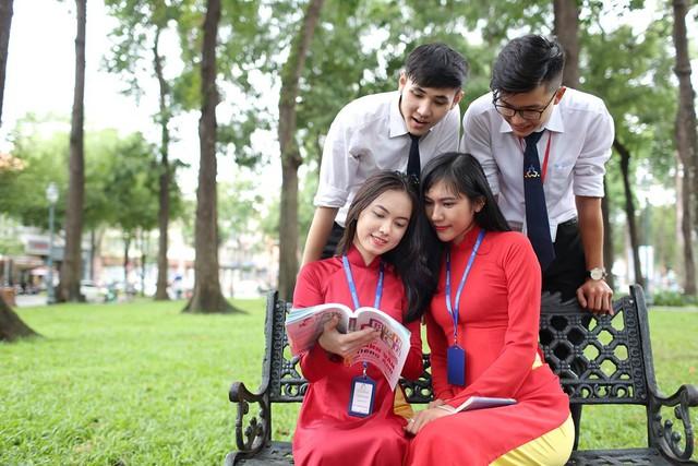 Cùng ngắm nhìn đồng phục siêu đẹp của sinh viên trường Cao đẳng nghề Du lịch Sài Gòn - Ảnh 3.