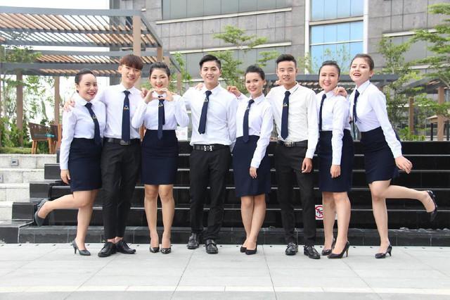 Cùng ngắm nhìn đồng phục siêu đẹp của sinh viên trường Cao đẳng nghề Du lịch Sài Gòn - Ảnh 4.