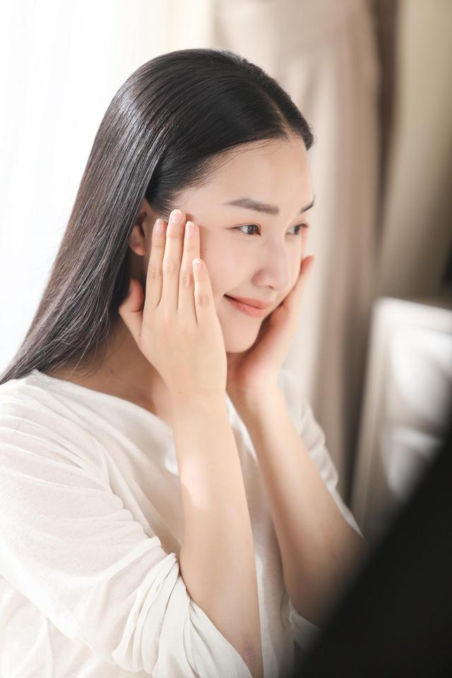 Bí kíp dưỡng da sang xịn mịn của Thu Minh và Ngọc Trân - ảnh 5