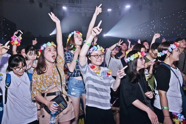 1001 khoảnh khắc ấn tượng tại đại tiệc mở màn Tuborg Republic of Fun - ảnh 8