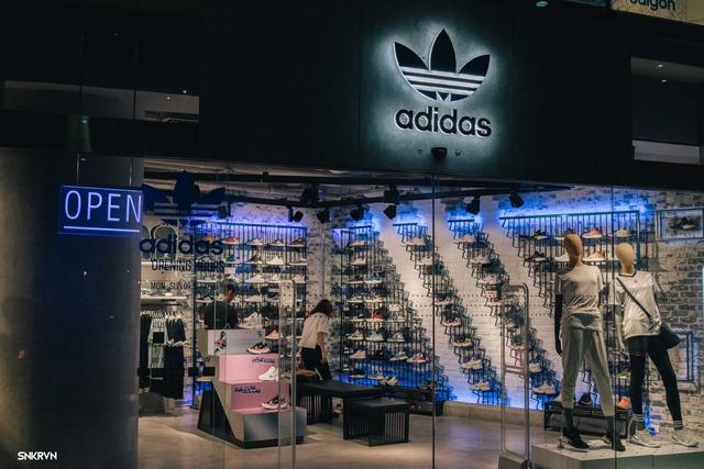 Truy tìm đôi giày hot nhất tháng 9 của adidas Originals – FALCON W - ảnh 2