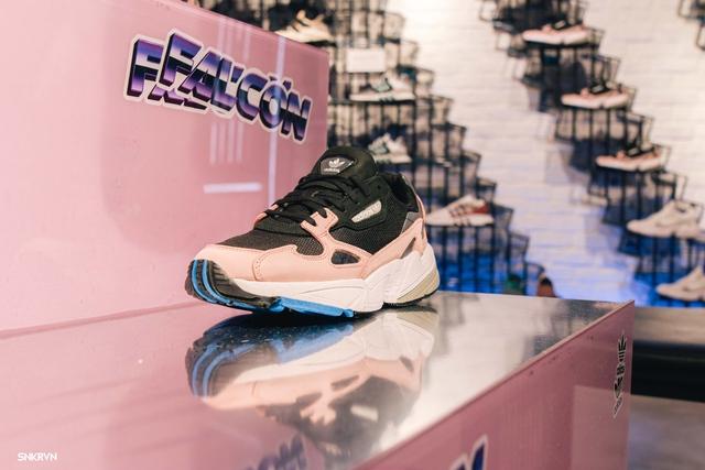 Truy tìm đôi giày hot nhất tháng 9 của adidas Originals – FALCON W - ảnh 5