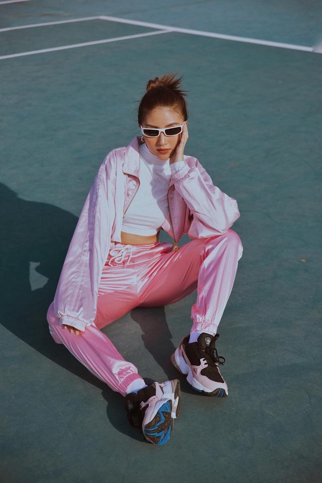 Truy tìm đôi giày hot nhất tháng 9 của adidas Originals – FALCON W - ảnh 10