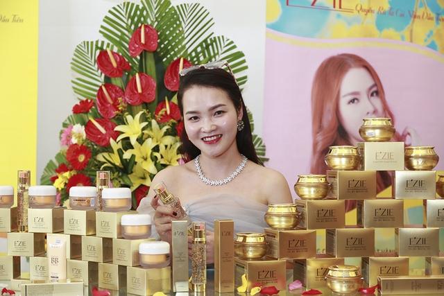 Bùi Anh Tuấn, Hồ Quang Hiếu khuấy động chương trìnhĐại hội Thượng đỉnhE'zie 2018 - ảnh 1