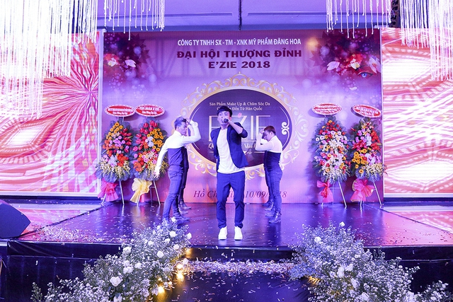 Bùi Anh Tuấn, Hồ Quang Hiếu khuấy động chương trìnhĐại hội Thượng đỉnhE'zie 2018 - ảnh 6