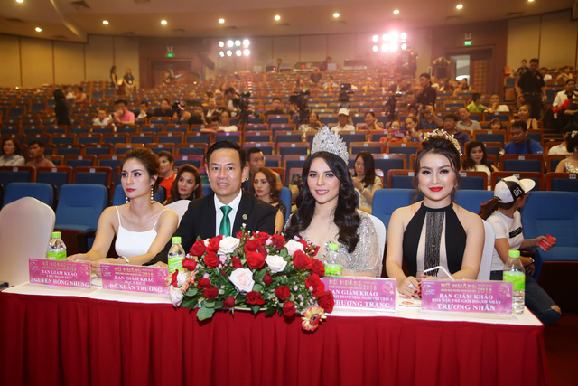 Đặng Gia Bena tỏa sáng cùng những người đẹp trong cuộc thi Nữ hoàng doanh nhân Đất Việt 2018 - ảnh 2