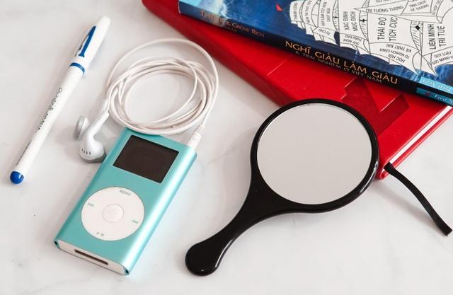 Smartphone đã thay thế những gì trong túi của một cô gái trẻ? - Ảnh 3.