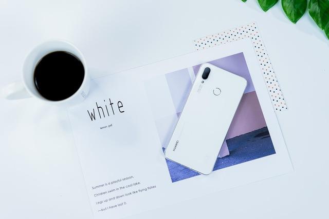 Đơn giản nhưng cuốn hút, chiếc smartphone này đáng để bạn tự thưởng cho bản thân dịp cuối năm - Ảnh 1.
